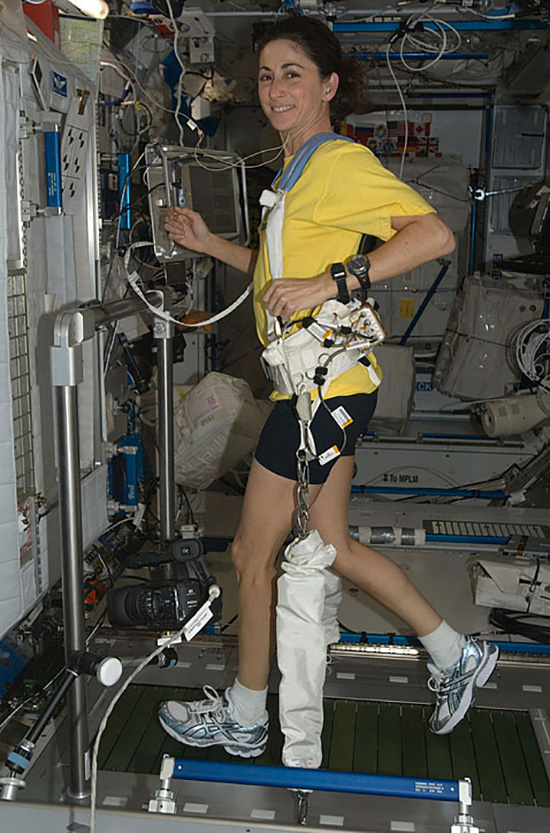 can astronauts exercise in space - photo #3