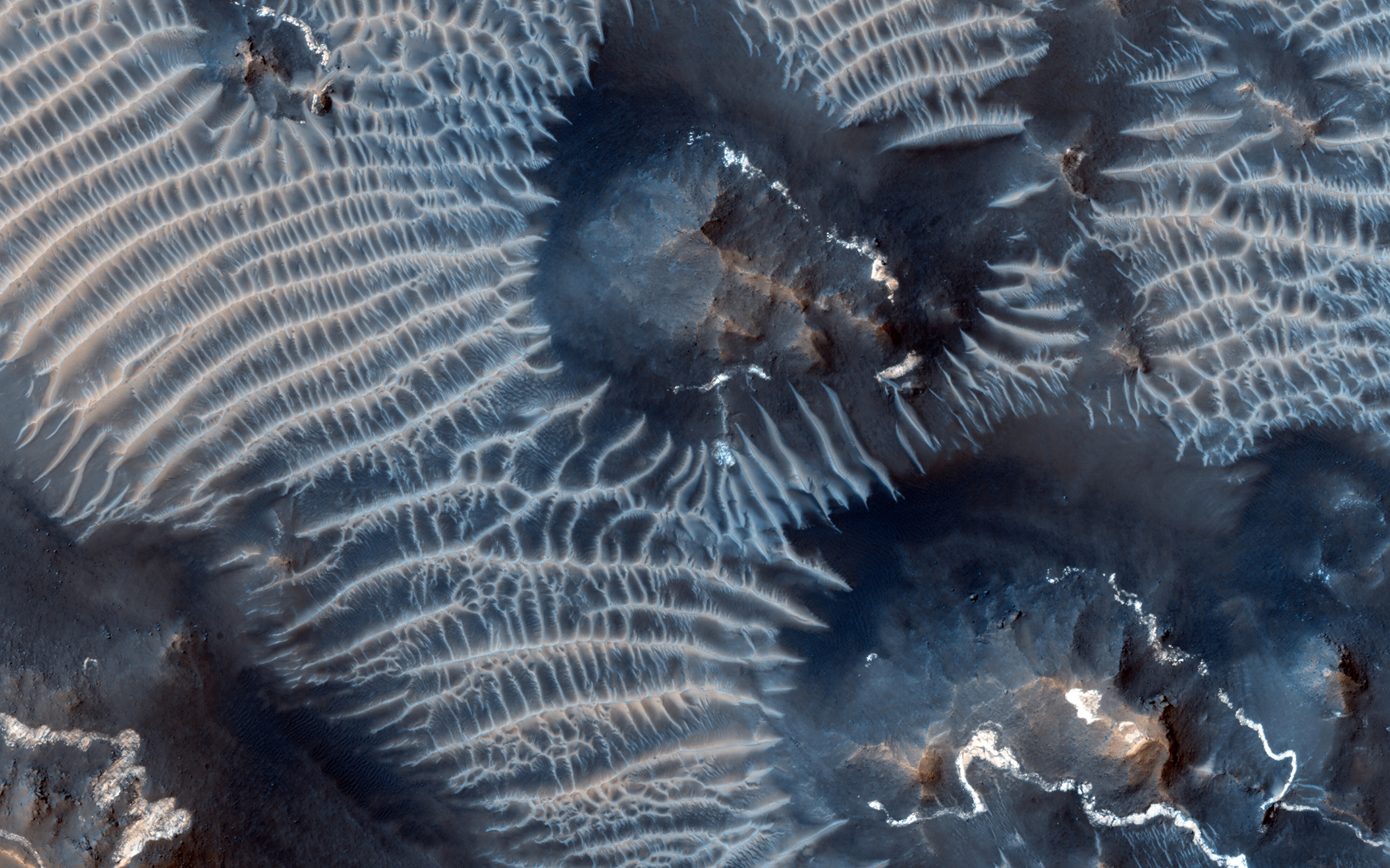 mars-windblown-sediment-esp_033262_1725