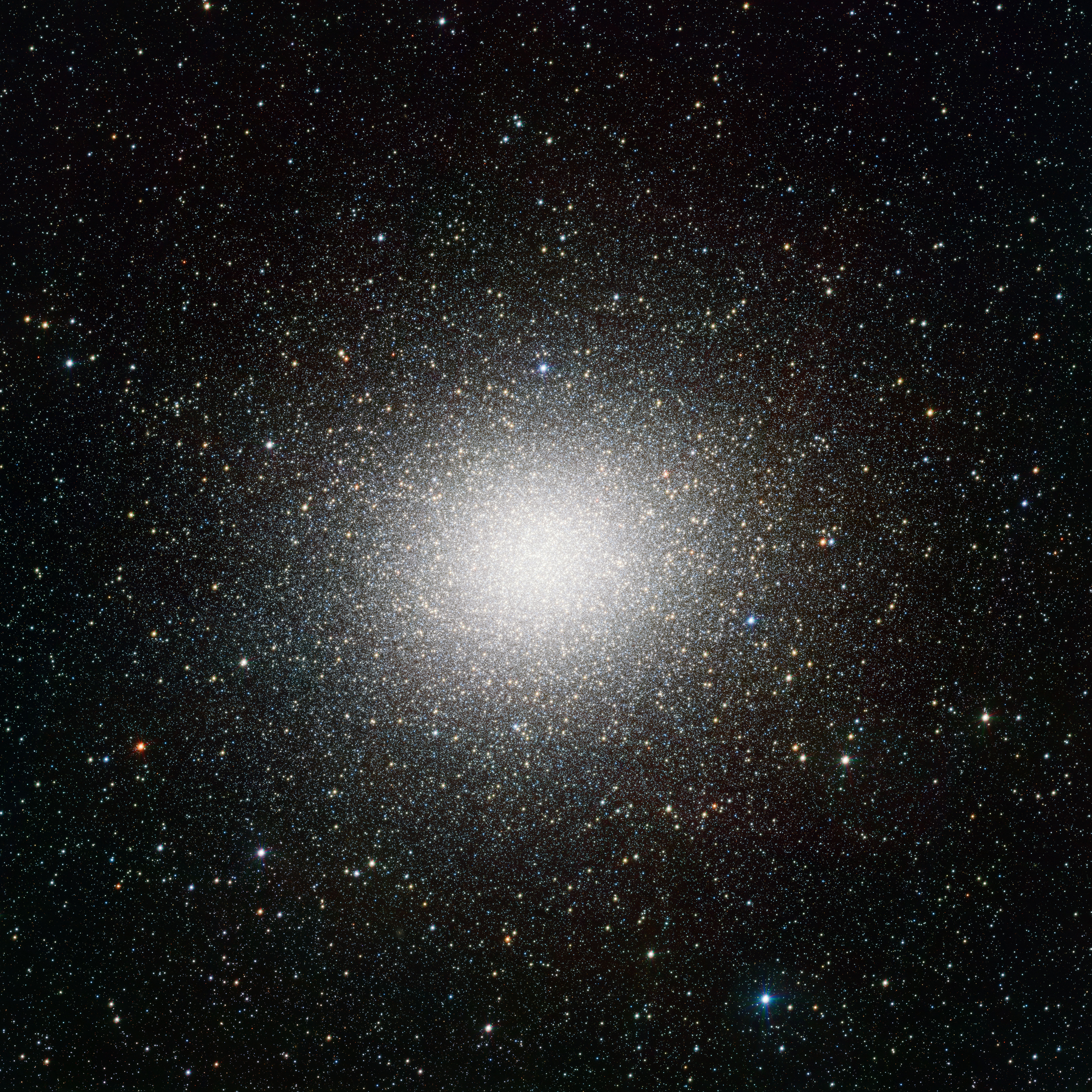 VST image of the giant globular star cluster Omega Centauri. Credit: ESO/INAF-VST/OmegaCAM