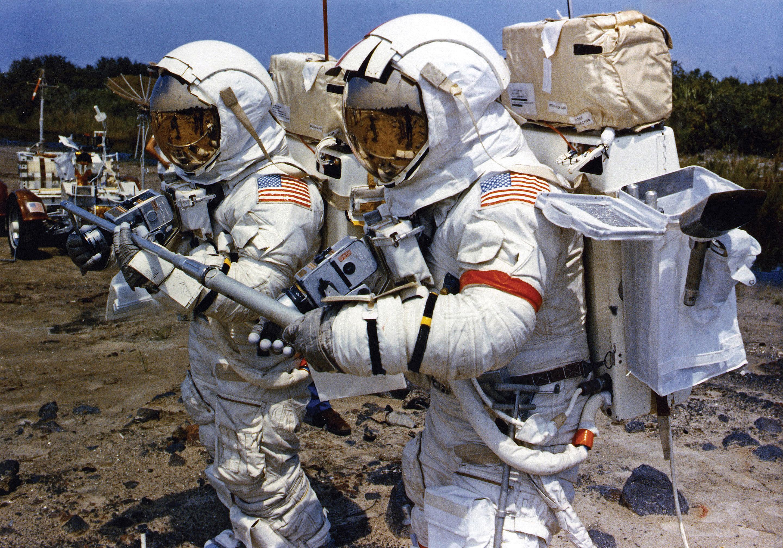 astronauts apollo 17 - HD2880×2015