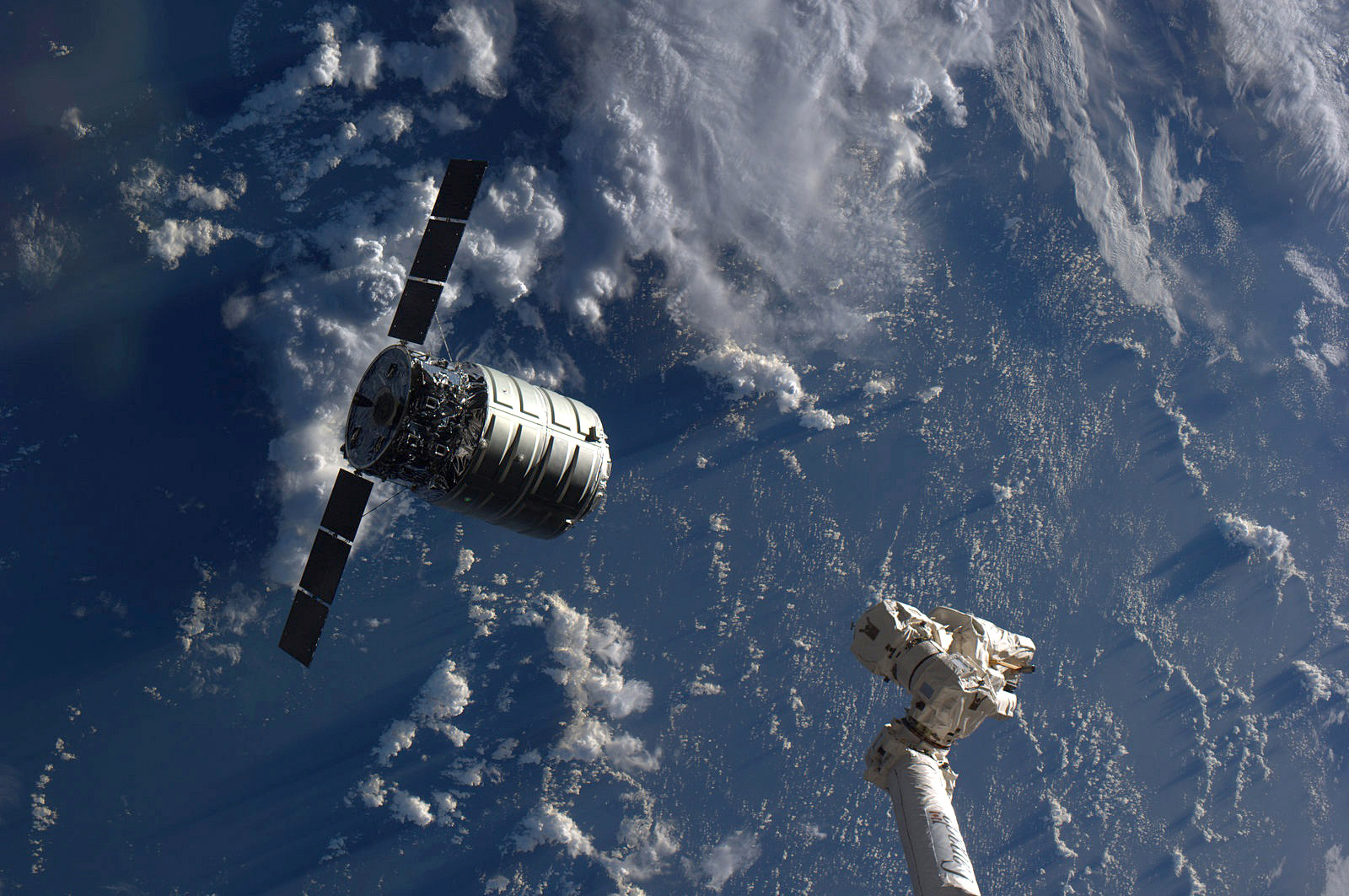 Antares delivers Cygnus to ISS - RocketSTEM